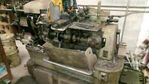 Screwachines manufacturing equipment single spindle