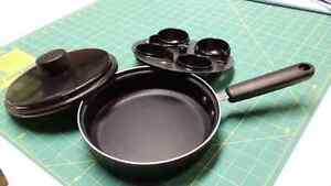 Egg poacher oan with cover 8 inches Kitchener / Waterloo Kitchener Area image 2