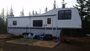 LOOKING TO TRADE: 1995 TERRY 5th WHEEL HOLIDAY TRAILER