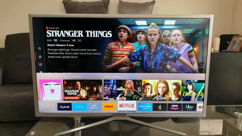 32 inch Samsung smart tv | in Epsom, Surrey | Gumtree