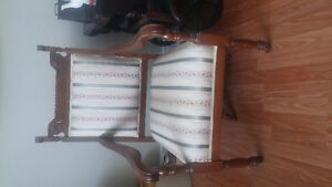 great condition antquie chair
