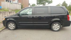 2010 Dodge Grand Caravan, excellent van, very clean !