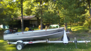 auction Thorns fishing boat and trailer