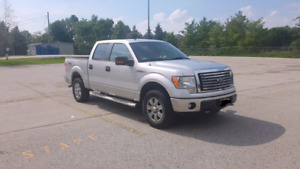 2011 FORD F150 LOW KMS!