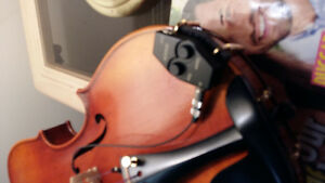 Stradivarius violin with pick up