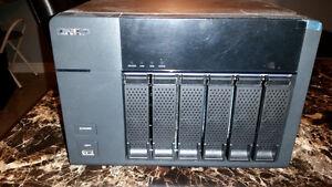 Qnap TS-669L - Serveur NAS 6 disques réseau USB 3.0