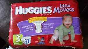 Couches diapers Huggies little movers size 3.