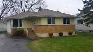 OPEN HOUSE THURS MAY 26th, 7-830 742 Holly Cres,  Thunder Bay,