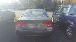 2007 Honda Civic 5 Speed Manual Transmission-Very good condition Prince George British Columbia image 4