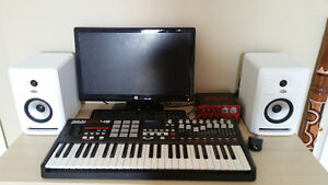 MIDI KEYBOARD AKAI MPK49, INTERFACE AKAI EIE PRO, SPEAKER