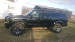 PENDING 7.3 low milege rust free EXCURSION