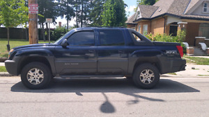 2004 CHEVROLET CREW CAB 4X4 AVALANCHE LEATHER , DVD , 4X4