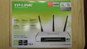 4 WIRELESS ROUTERS