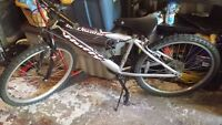 Boys Huffy Mountain Bike (perfect for a 8-11 year old)