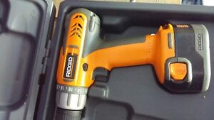 RIGID 12 VOLT CASE AND 2 BATERIES POWER DRILL Kingston Kingston Area image 2