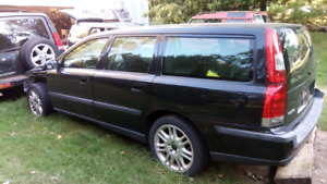 Parting 2003 Volvo V70 2.4T - Parts for sale