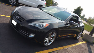 MUST GO!2011 Hyundai Genesis Coupe 3.8 GT Coupe LOW KM