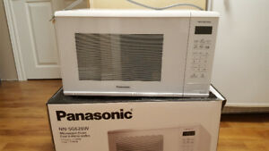 Panasonic Microwave 1.3 cubic foot