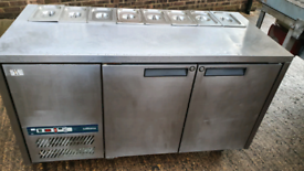 William commercial pizza topping chiller with pans fully working