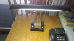 Lampe de bureau et lampe de chevet