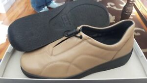 Rohde Women's Shoes-Size:8.brand new in boxx