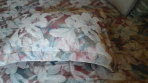 Queen size entire comforter set (Just amazing deal) Cambridge Kitchener Area image 2
