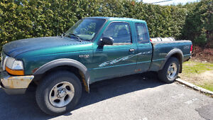 2000 Ford Ranger Negociable