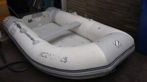 Zodiac Cadet 285 avec plancher gonflable!!
