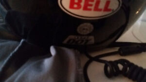 Two motorcycle helmets. Excellent condition Windsor Region Ontario image 4