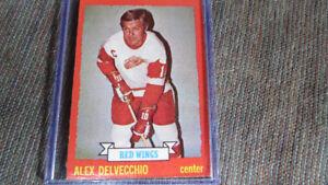 Alex Delvecchio 1973-74 Topps NHL card