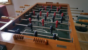 !!!! PROFFESSIONAL HARVARD FOOSBALL TABLE IN GREAT CONDITION!!!!