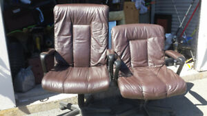 Real Italian leather comp chairs ..Clean beds and alot more