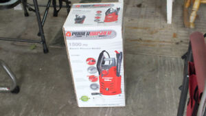 Electric power washer 1500psi NEW IN BOX!