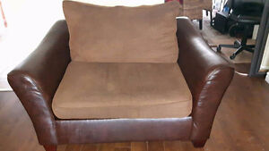 Comfy faux leather and comfy brown fabric XL chair