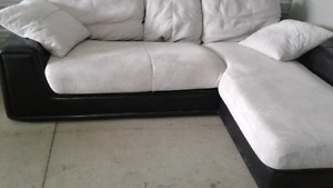 Microfiber sectional Couch in good condition