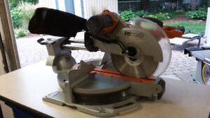 """Scie a onglet RIDGID 12"""" Coulissante"""