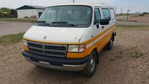 1995 B2500 Ram Van