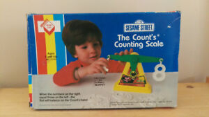 MINT VINTAGE Irwin Toys Sesame Street The Count's Counting Scale