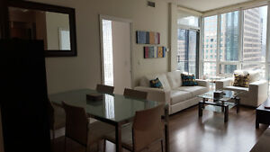 June: Furnished 3 Bedroom Downtown Suite - Yonge and Harbour