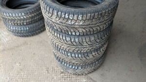 Set of 4 Aeolus Ice Challenger 195/60R15 WINTER tires (95% tread