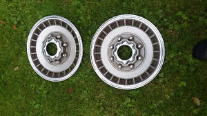 Ford Hubcaps