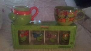 Brand new never used Teenage mutant ninja turtles glassware!