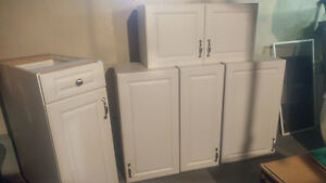 White Kitchen Cabinets with Hardware, Great Shape!