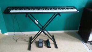 Alesis Q88, 88 key USB MIDI keyboard controller.