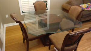 Bombay Dining Table c/w Glass Top & 4 Chairs