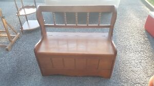 Two seat storage entryway bench