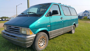 1993 Ford Aerostar AWD. NEW Windshield & A/C is Awesome