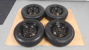 4 pneus d'été 205/55/R16 UNIROYALE neuf sur jantes 5 x 114,3