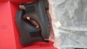 Hunter Chelsea boots with box - size 8