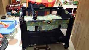 Graco Playard Navy - EUC Kitchener / Waterloo Kitchener Area image 2